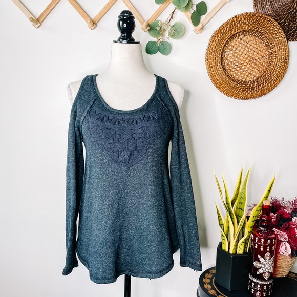 Knox Rose Open Shoulder Embroidered Sweater Gray
